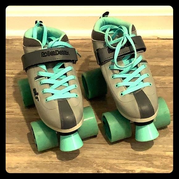 roller derby shoes
